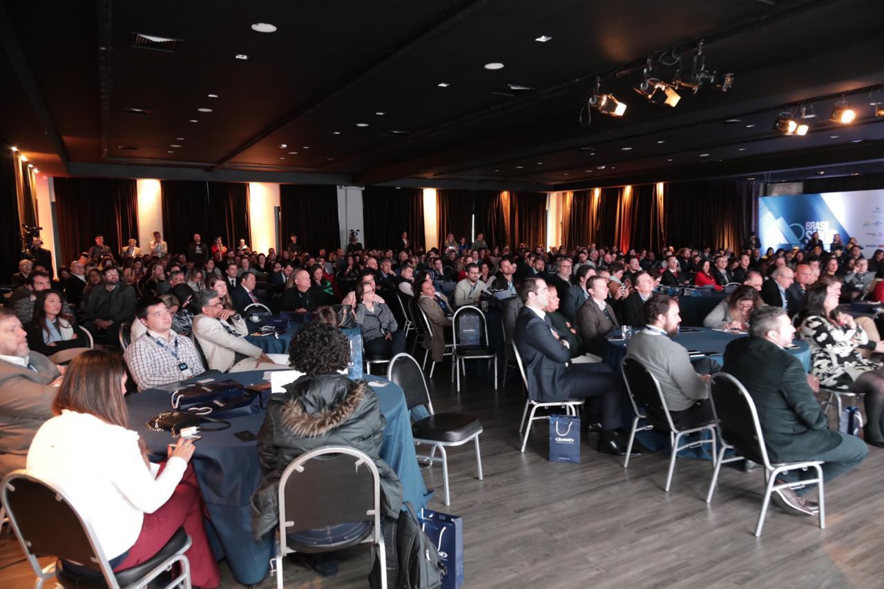 Brasilshop: Empresários defendem reforma tributária com base na renda e não no consumo